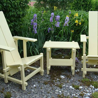 Rietveld-inspired Garden Chair